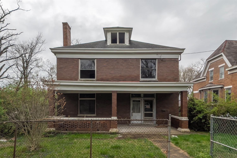 489 Sandheger Place Property Photo