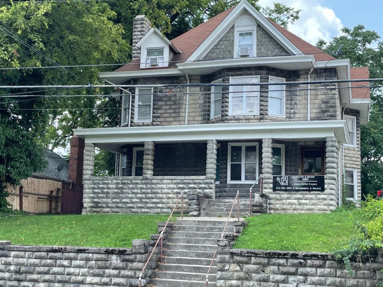 941 Grand Avenue Property Photo