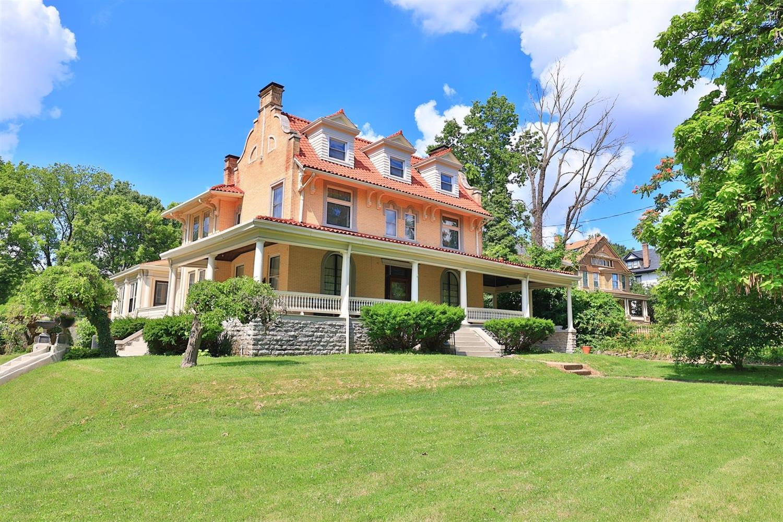 991 Marion Avenue Property Photo 1