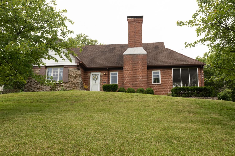 7064 Glenellyn Drive Property Photo