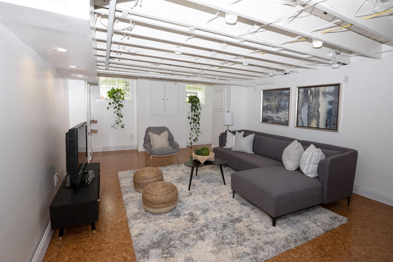 6271 Grand Vista Avenue Property Photo 27