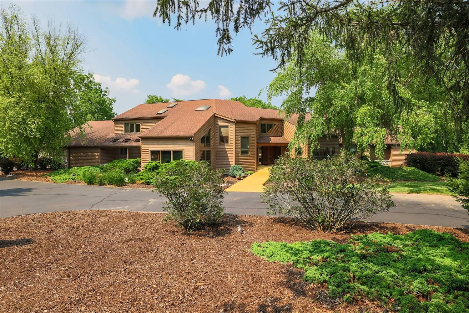 9100 Old Indian Hill Road Property Photo