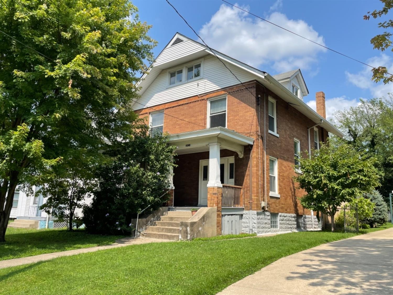 3924 Lindley Avenue Property Photo