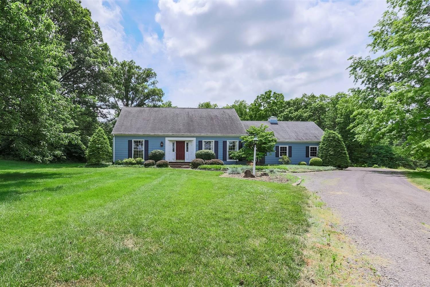 6295 Lesourdsville West Chester Road Property Photo 1