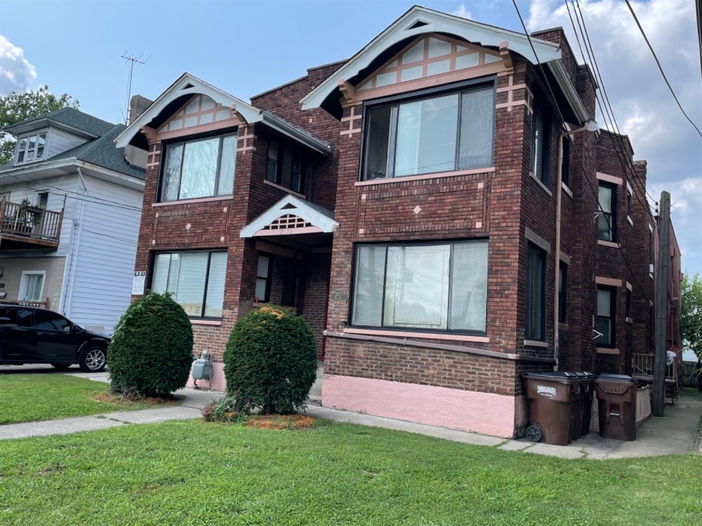 2070 Elm Avenue Property Photo