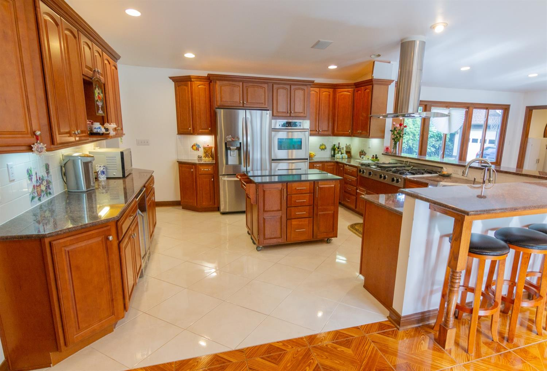4 Cypress Garden Avenue Property Photo 5
