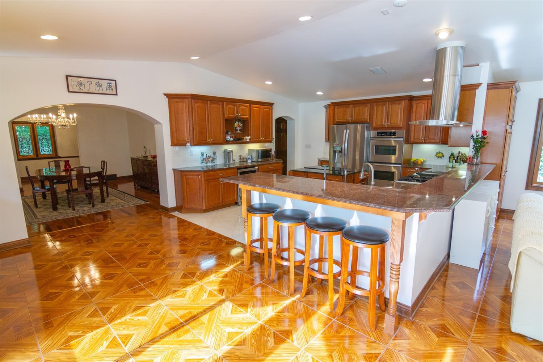 4 Cypress Garden Avenue Property Photo 6