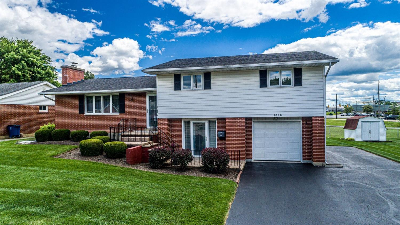 1090 Mcdermott Avenue Property Photo