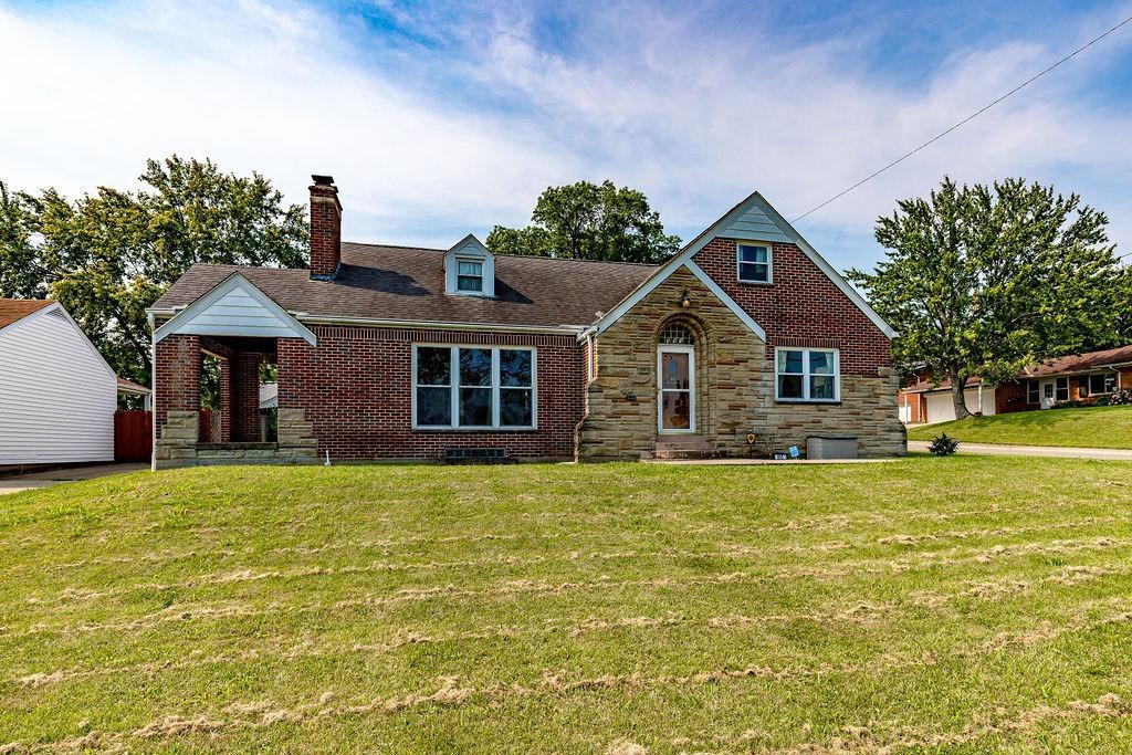 995 Millville Avenue Property Photo 1