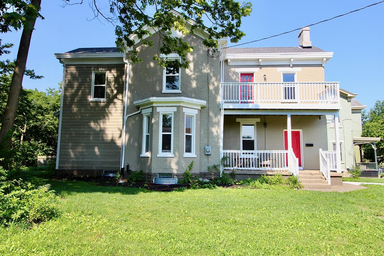 4703 Stewart Avenue Property Photo