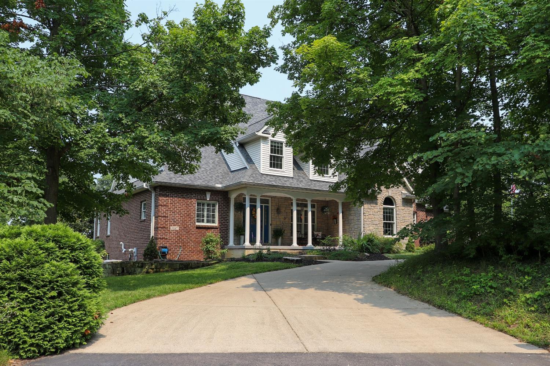 5847 Woodthrush Lane Property Photo 1