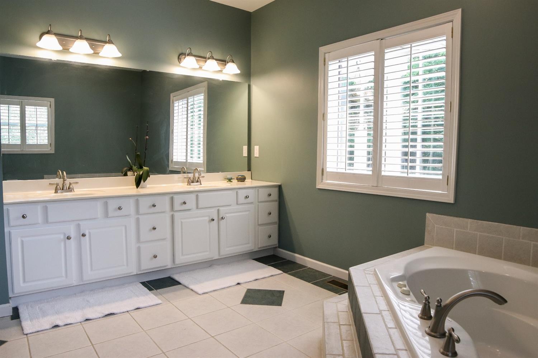 5847 Woodthrush Lane Property Photo 14