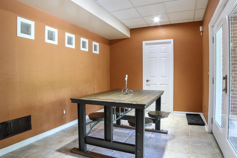 5847 Woodthrush Lane Property Photo 24