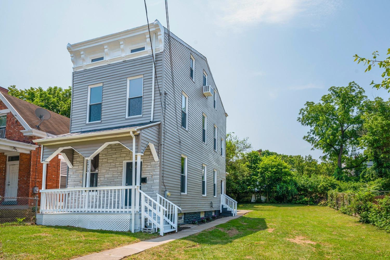 2473 Thompson Avenue Property Photo