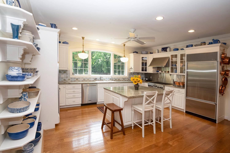 960 Walnut Street Property Photo 20
