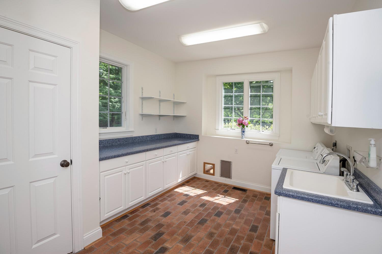 960 Walnut Street Property Photo 31
