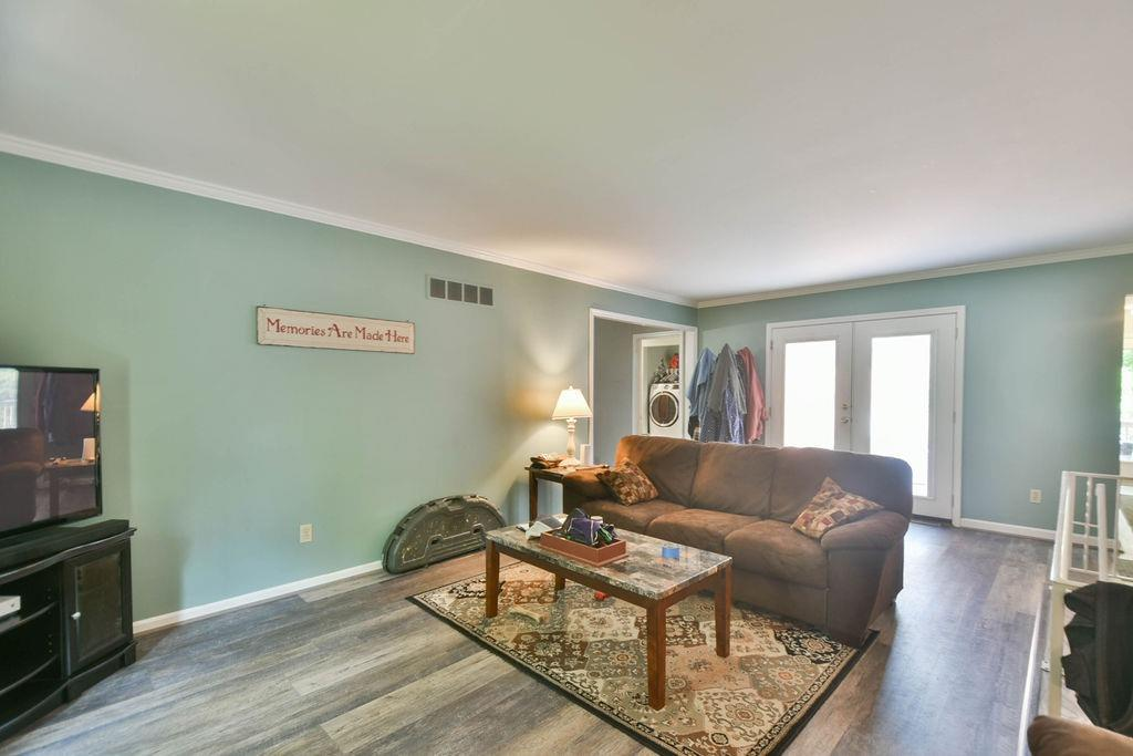 1000 Overbrook Avenue Property Photo 16