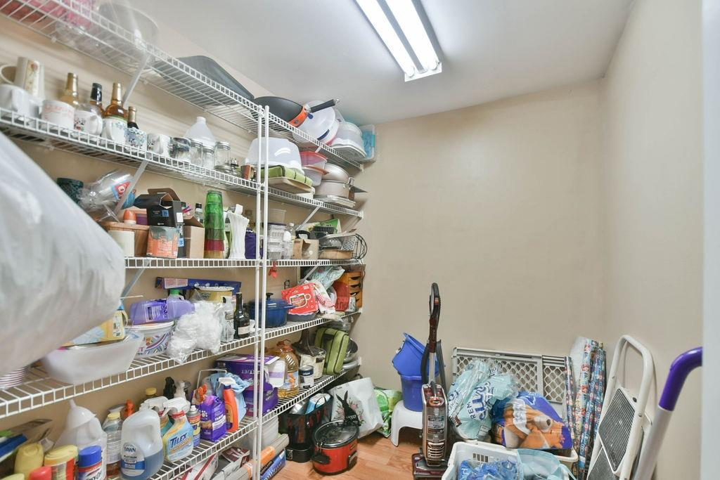 1000 Overbrook Avenue Property Photo 17