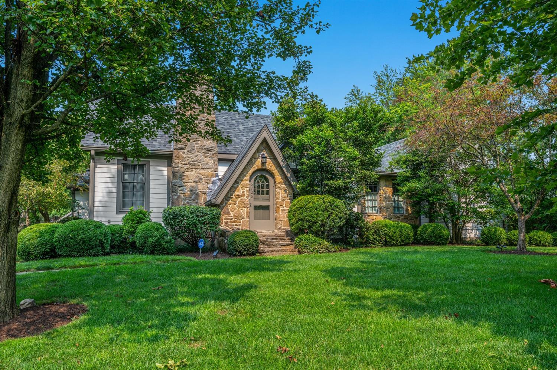 6725 Kenwood Road Property Photo