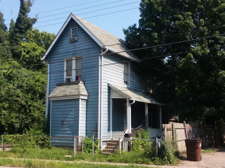272 Hartwell Avenue Property Photo