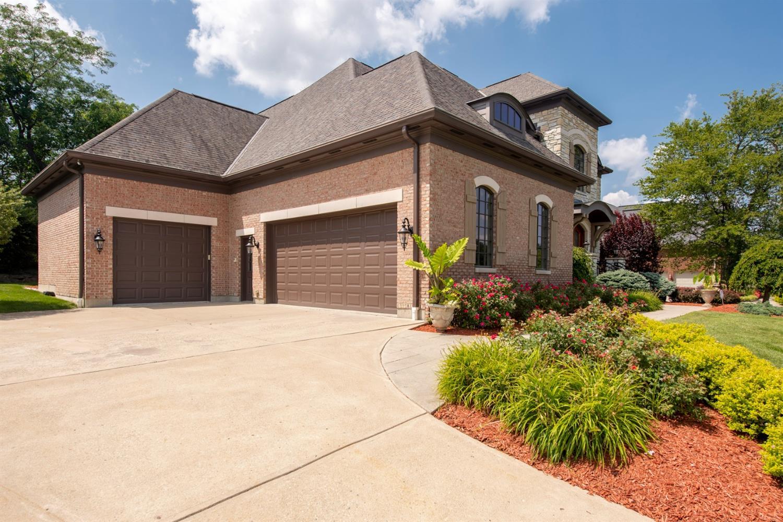 3625 Carmelle Woods Drive Property Photo 4