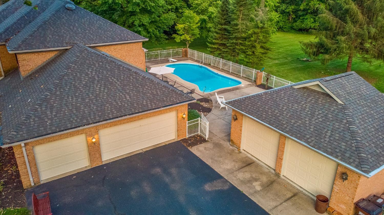9415 E Kemper Road Property Photo 4