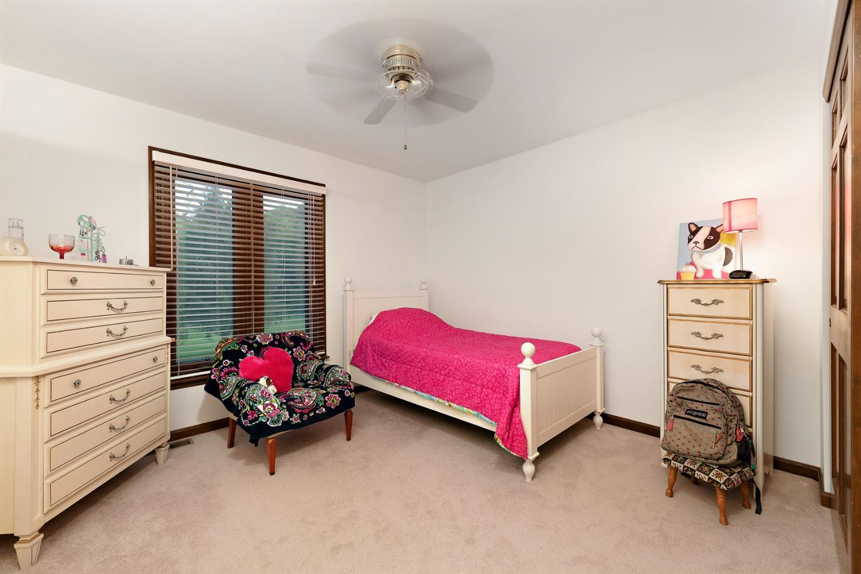 9415 E Kemper Road Property Photo 30