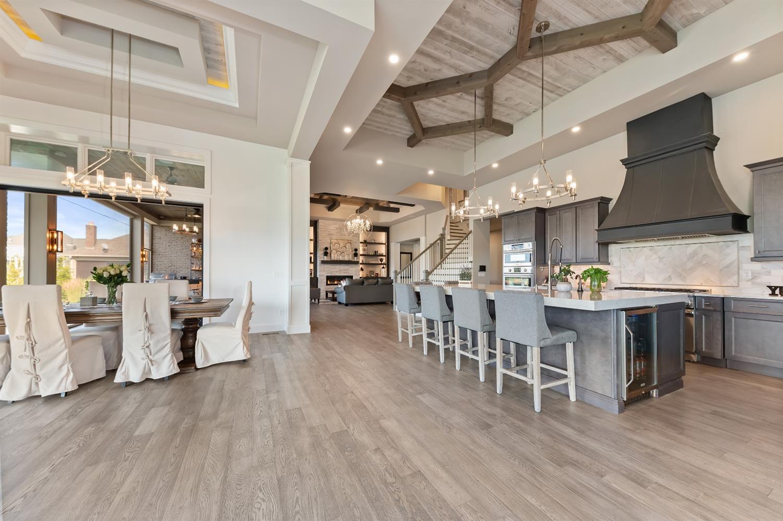 8762 South Shore Place Property Photo 12