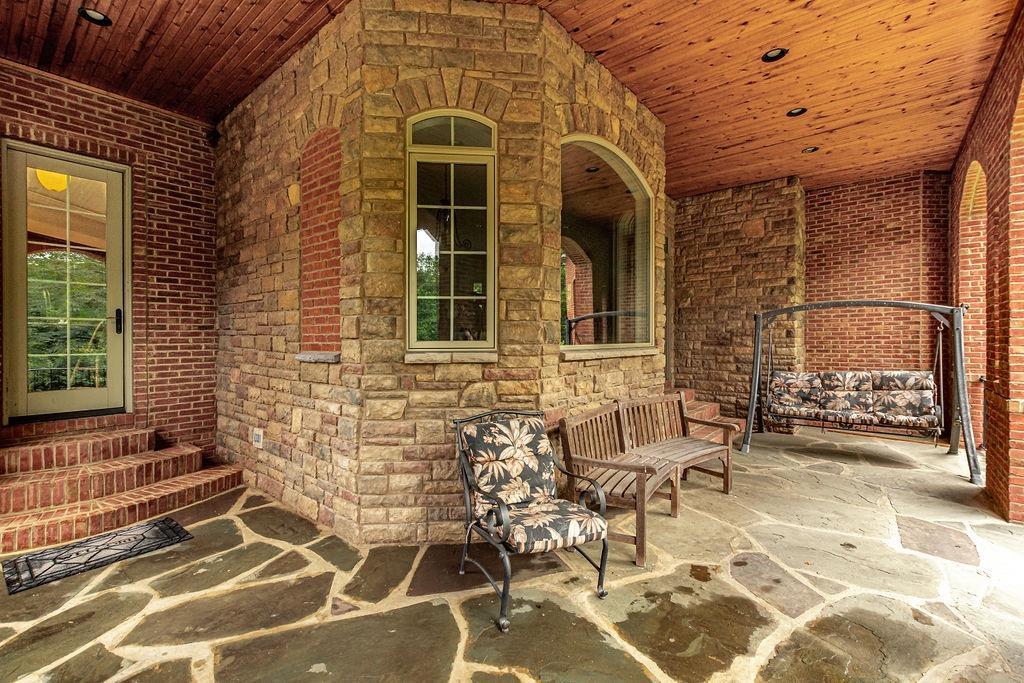 1196 Mystic Woods Drive Property Photo 4
