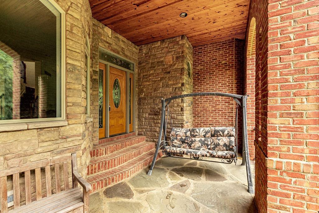 1196 Mystic Woods Drive Property Photo 5