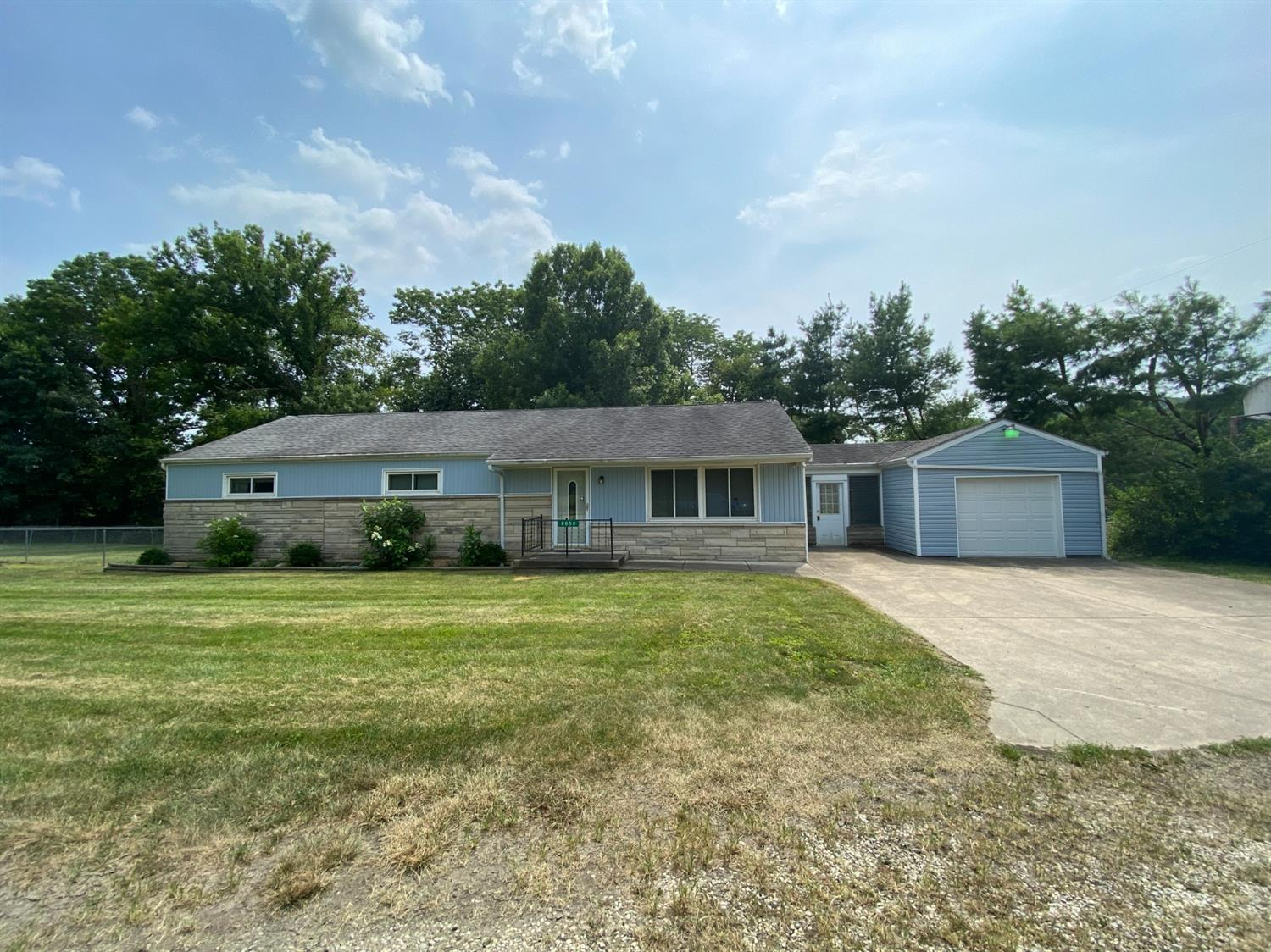 8050 Colonial Heights Road Property Photo