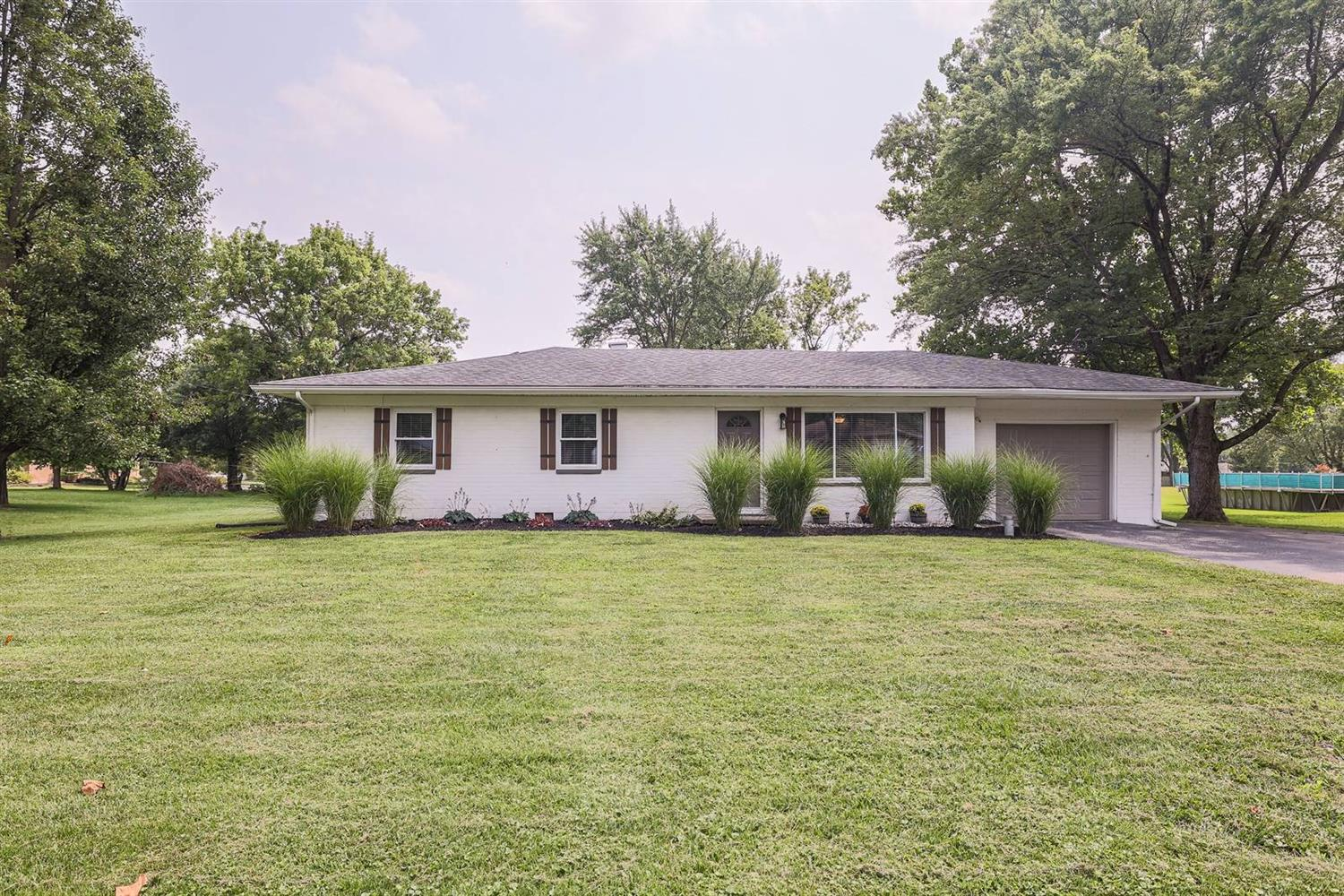 8414 Hoover Court Property Photo 1