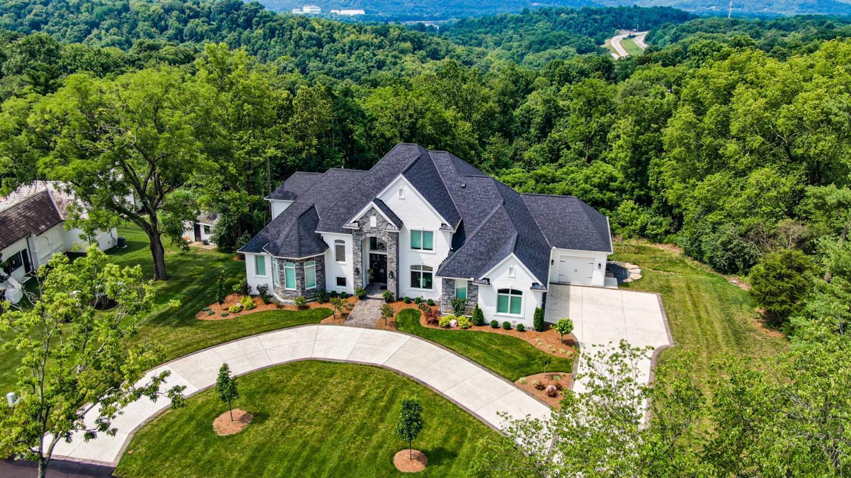 711 Watch Hill Lane Property Photo 1