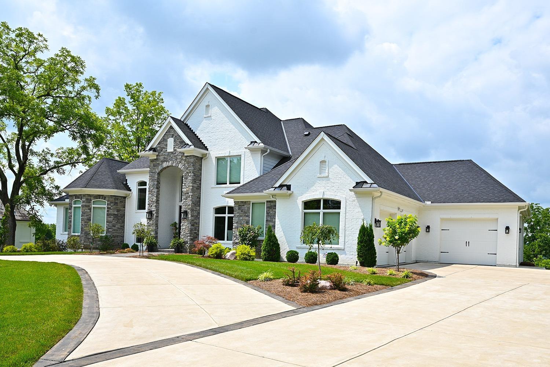 711 Watch Hill Lane Property Photo 3