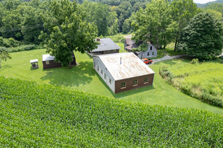 595 Jaybird Road Property Photo 4