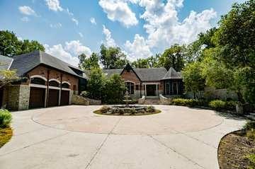 42 Pinehurst Place Property Photo 1
