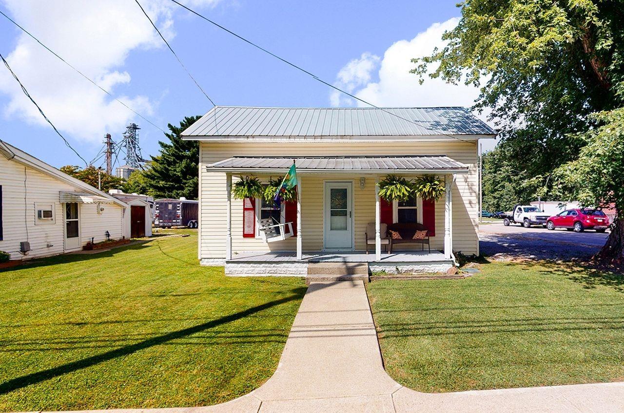 1390 Tri County Road Property Photo
