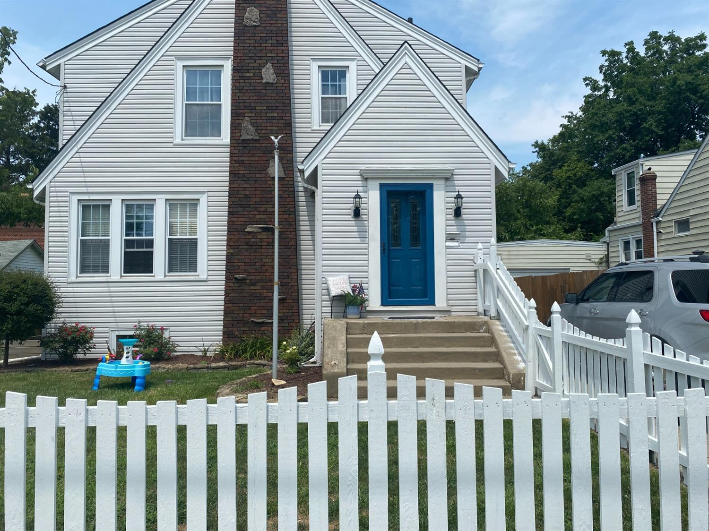 4242 Duneden Avenue Property Photo