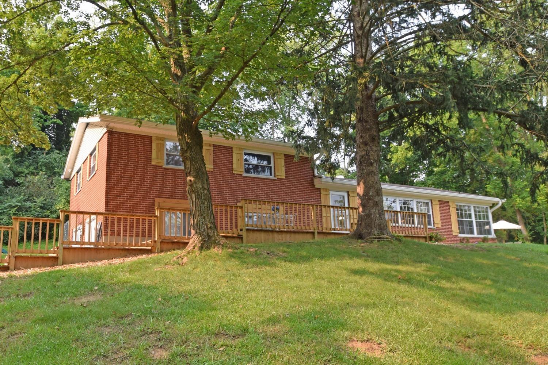 8141 Bridle Road Property Photo
