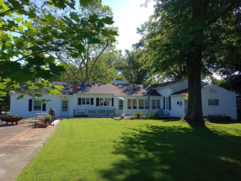 715 Sunnyside Avenue Property Photo 4