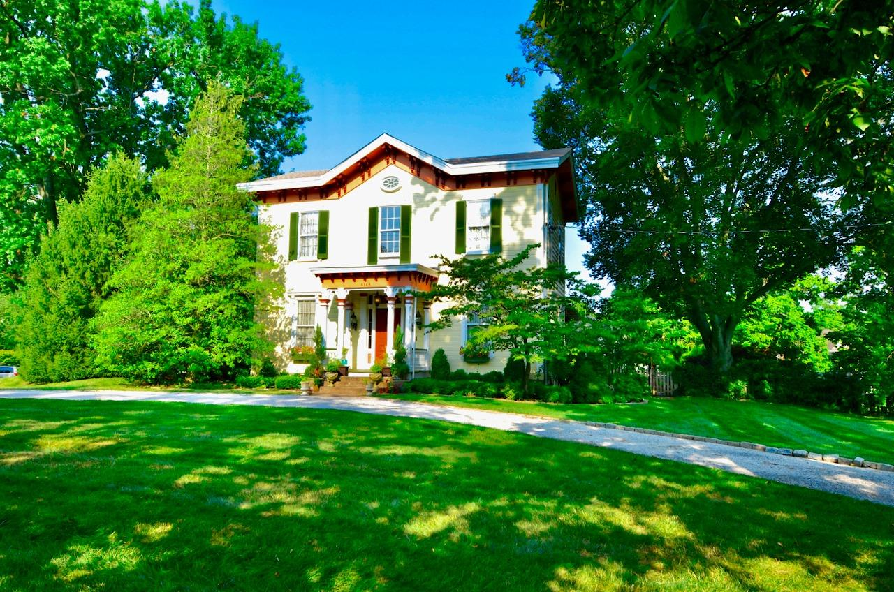 6144 Kenwood Road Property Photo