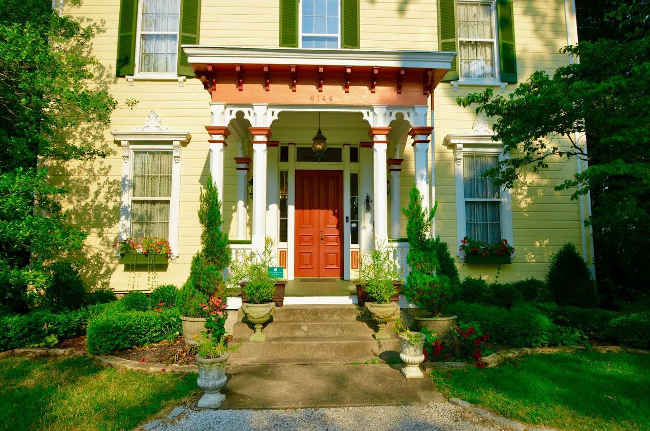 6144 Kenwood Road Property Photo 2