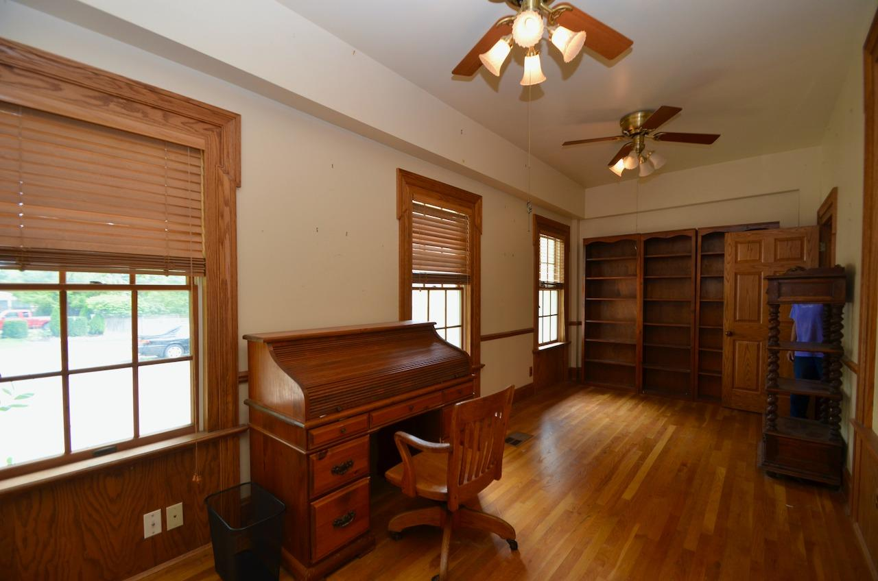 6144 Kenwood Road Property Photo 17