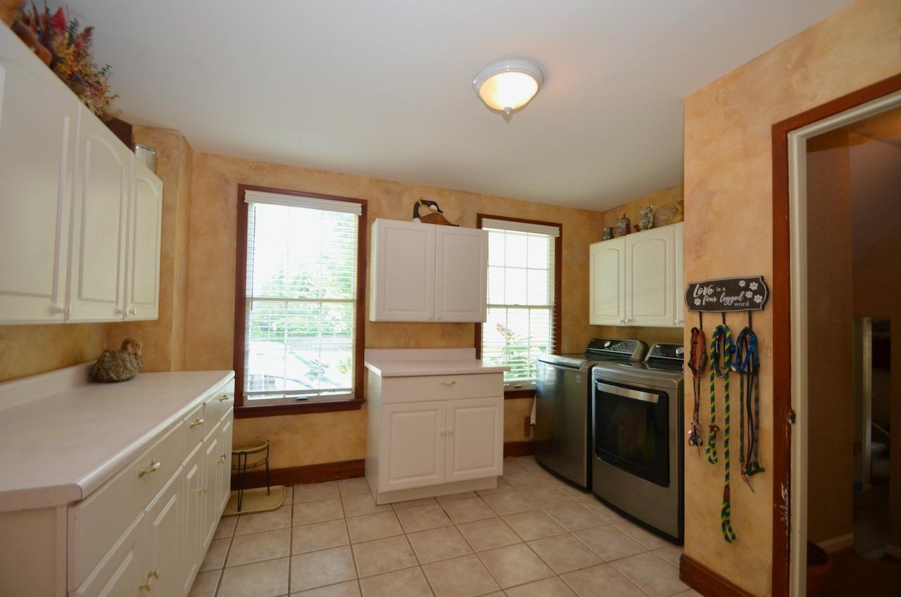6144 Kenwood Road Property Photo 21