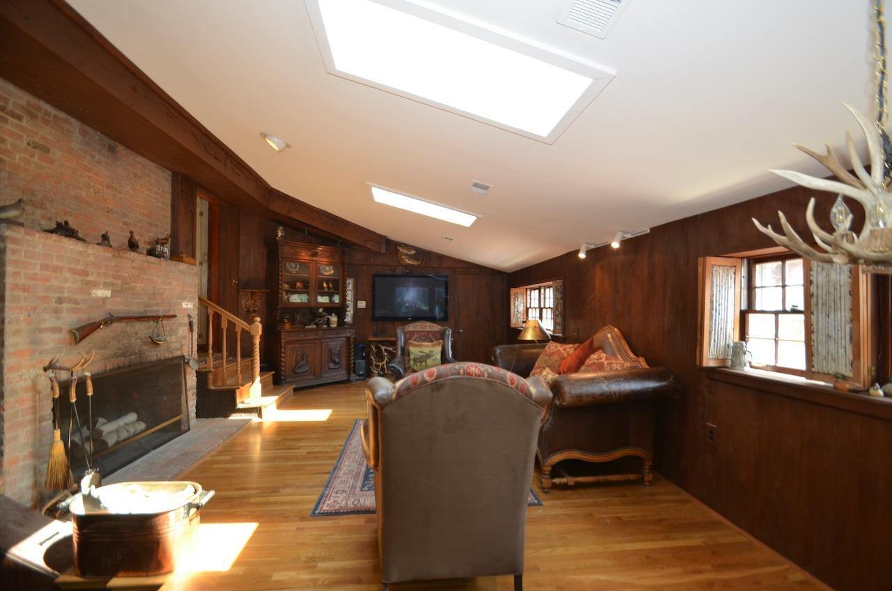 6144 Kenwood Road Property Photo 22