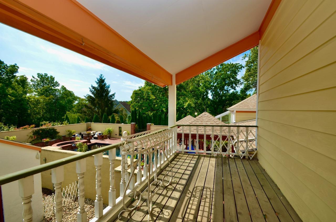 6144 Kenwood Road Property Photo 27