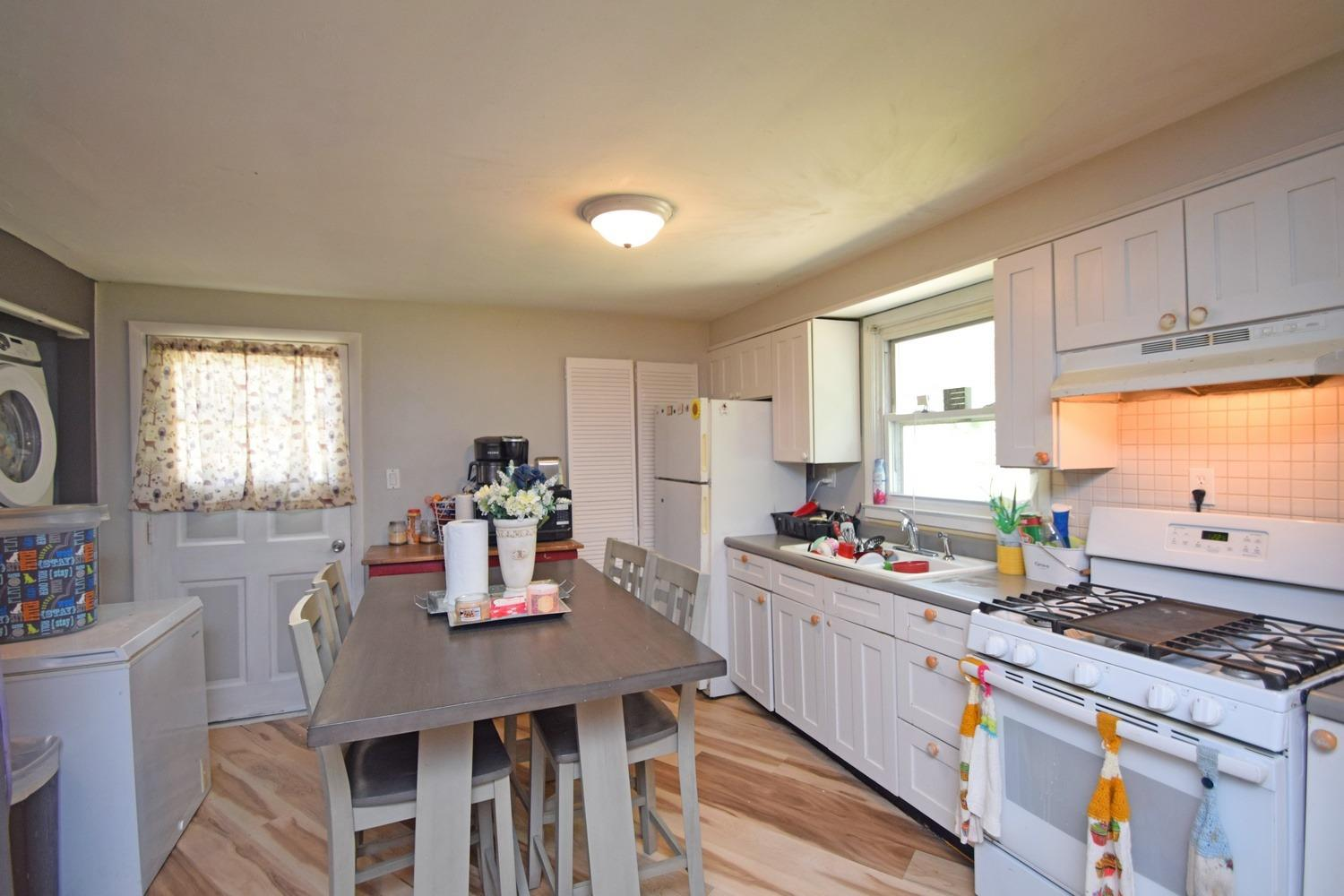 235 Campbell Avenue Property Photo 8