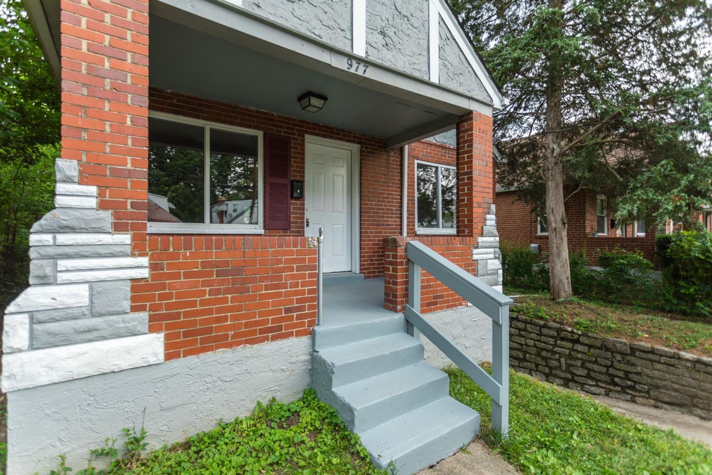 977 Prairie Avenue Property Photo 2