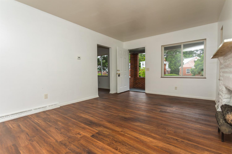 977 Prairie Avenue Property Photo 4