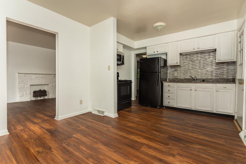 977 Prairie Avenue Property Photo 6